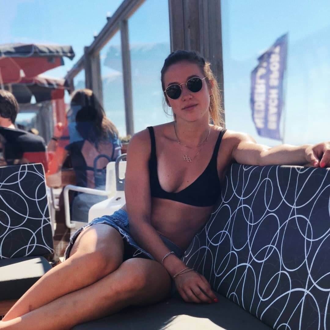 Suzanne Schulting tits pics