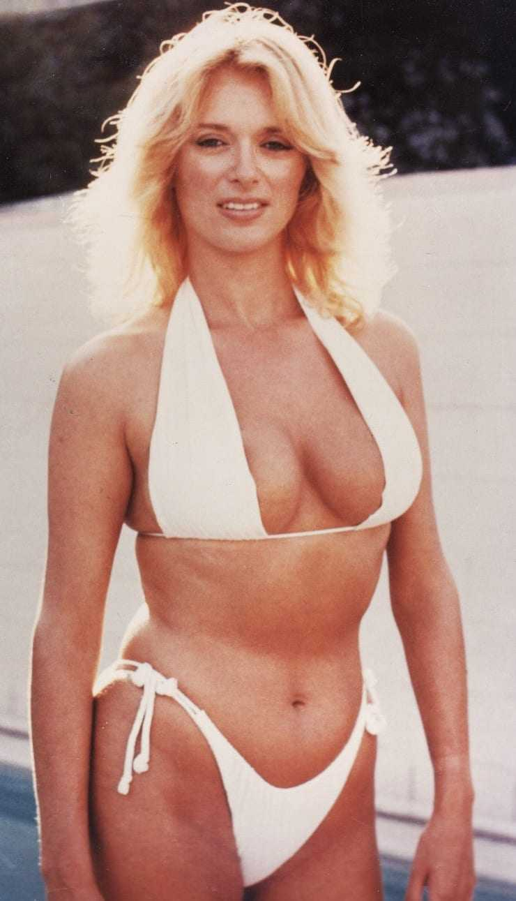 Sybil Danning bikini pics