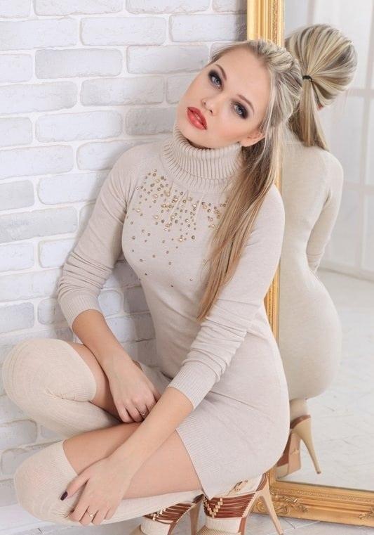 Sylwia Azarejew sexy pic