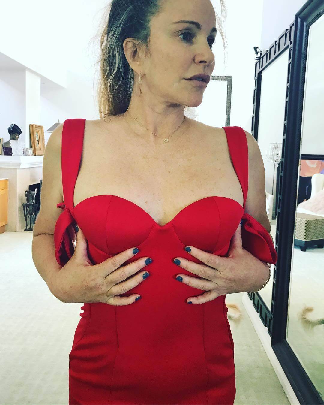 Tawny Kitaen sexy pic