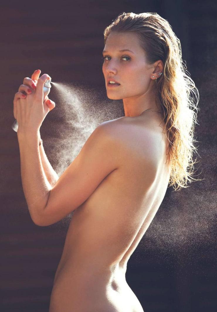 Toni Garrn near nude pics