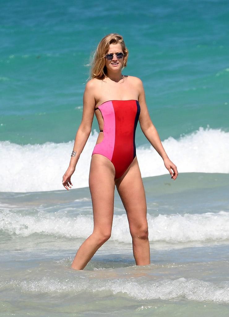 Toni Garrn sexy lingerie pics