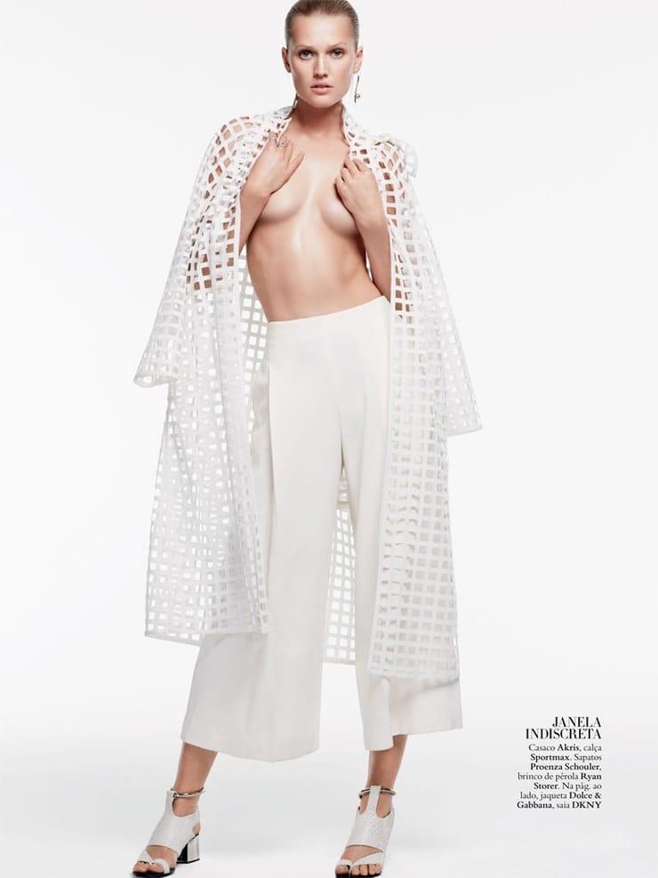 Toni Garrn topless pics