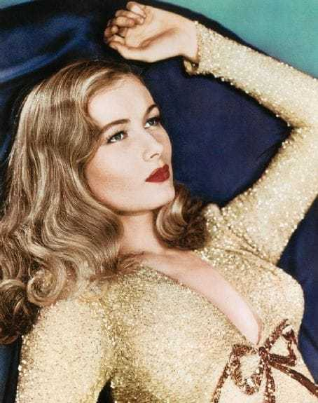 Veronica Lake big busty pictures