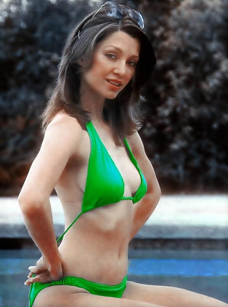 Victoria Principal hot look pic