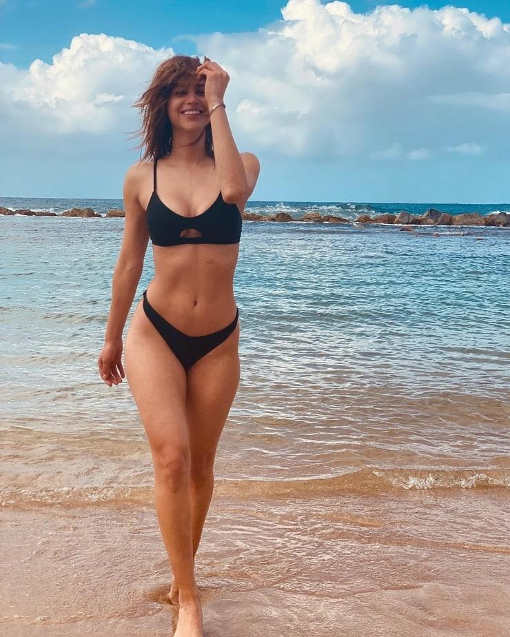 Yanet Garcia sexy bikini pictures