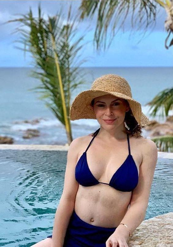 alyssa milano sexy pictures
