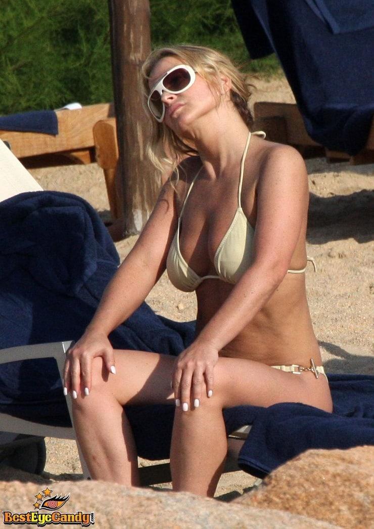 anastacia mcpherson bikini
