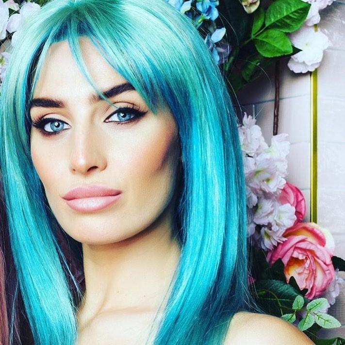 annie kilner blue hair