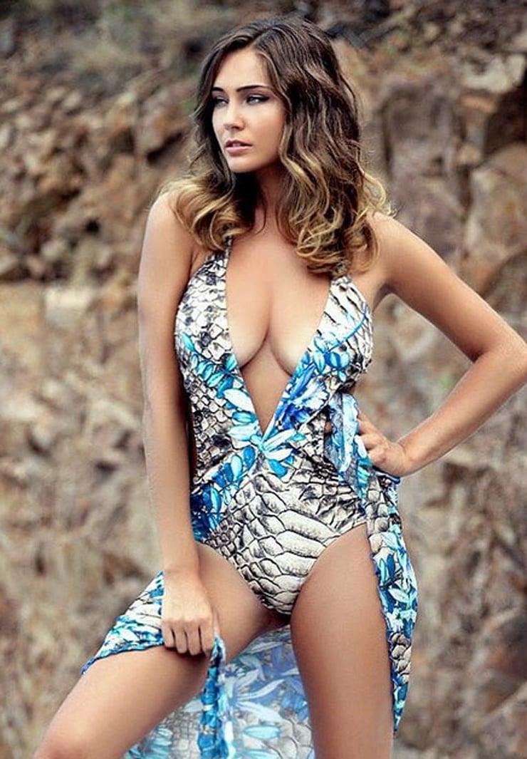 charlotte pirroni boobs