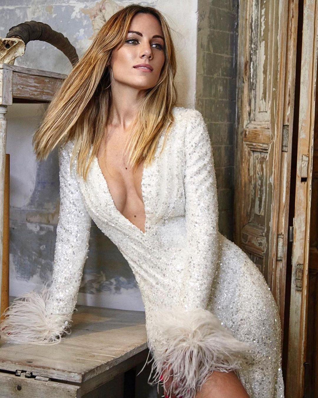 edurne cleavage pics