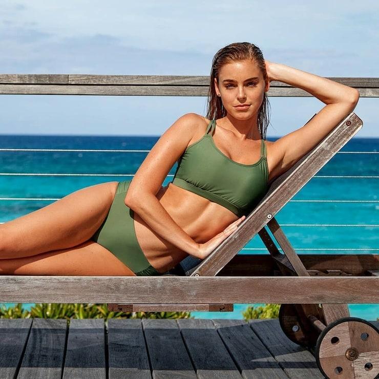 elizabeth turner hot body
