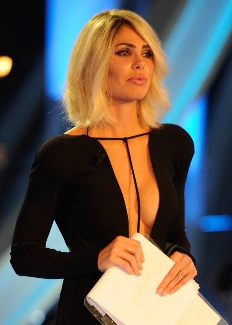 ilary blasi cleavage pic