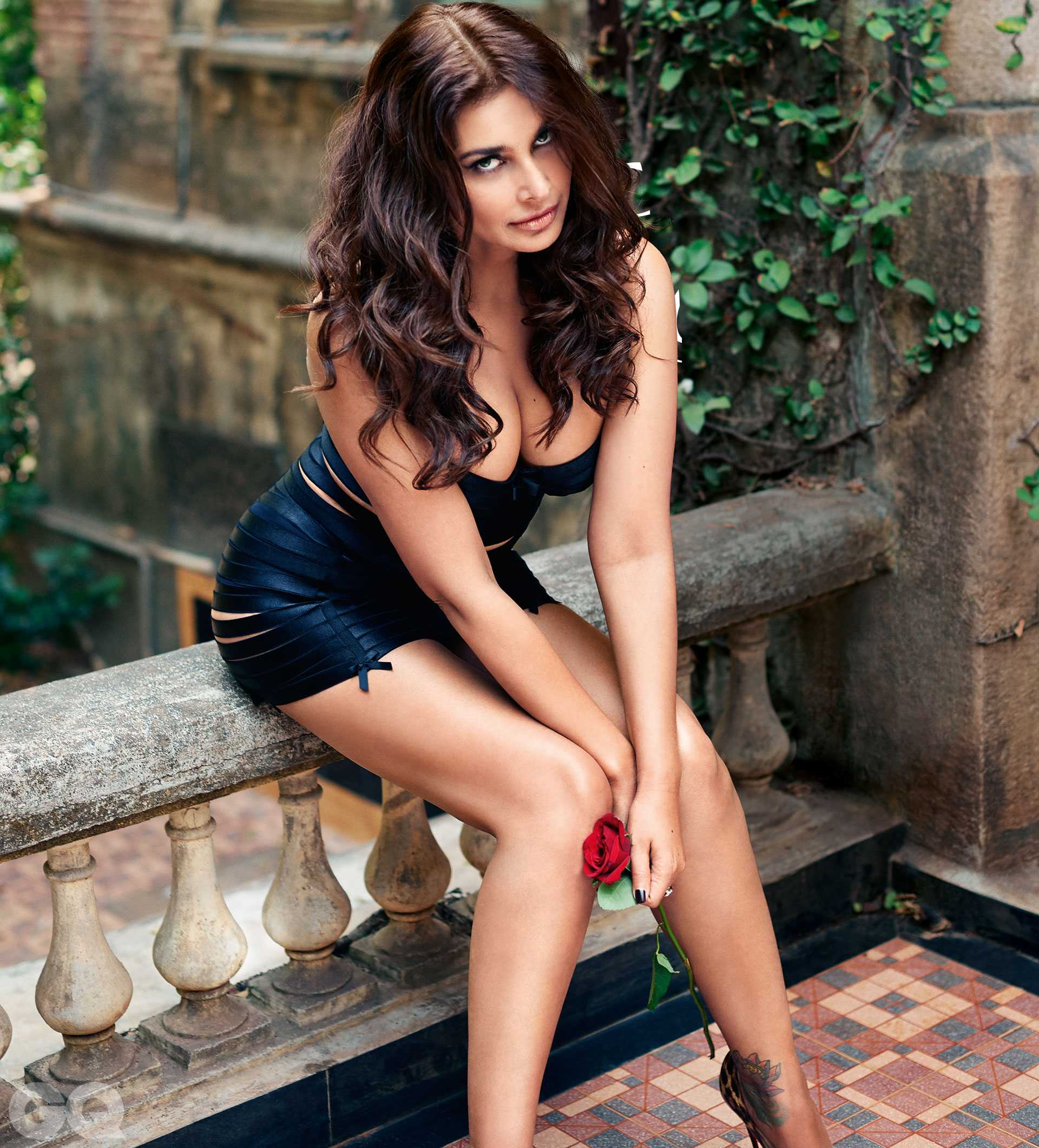 lisa ray hot pictures