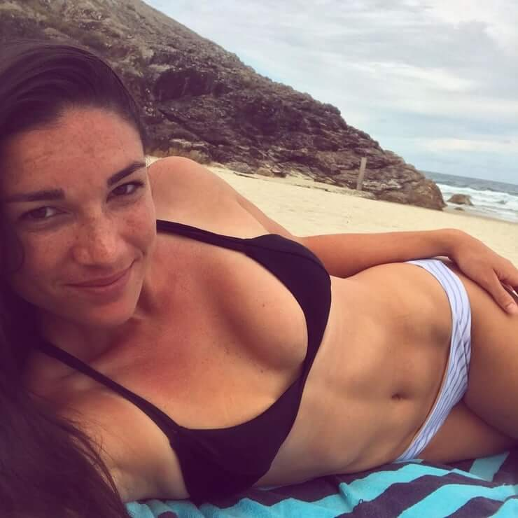 michelle jenneke too sexy boobs