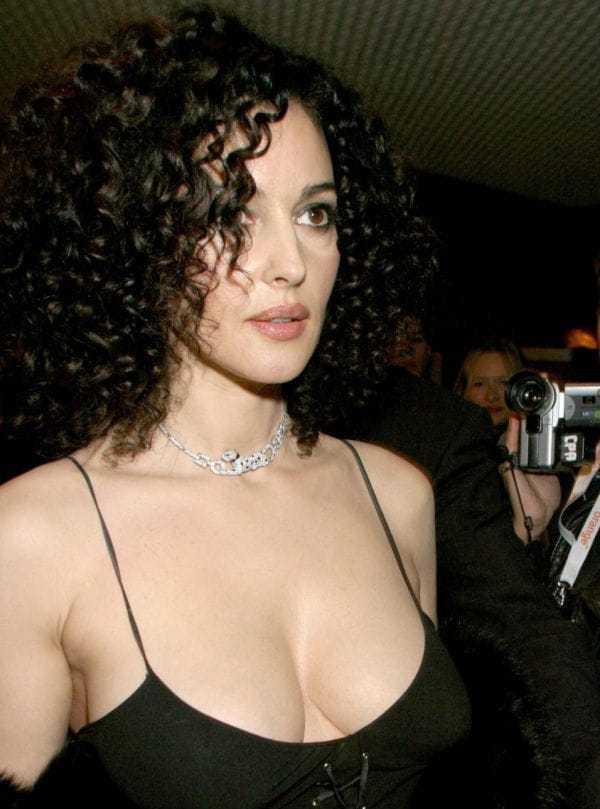 monica belucci sexy boobs