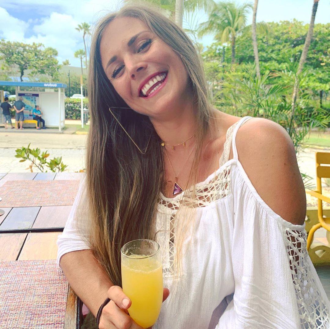rachel brathen sexy smile