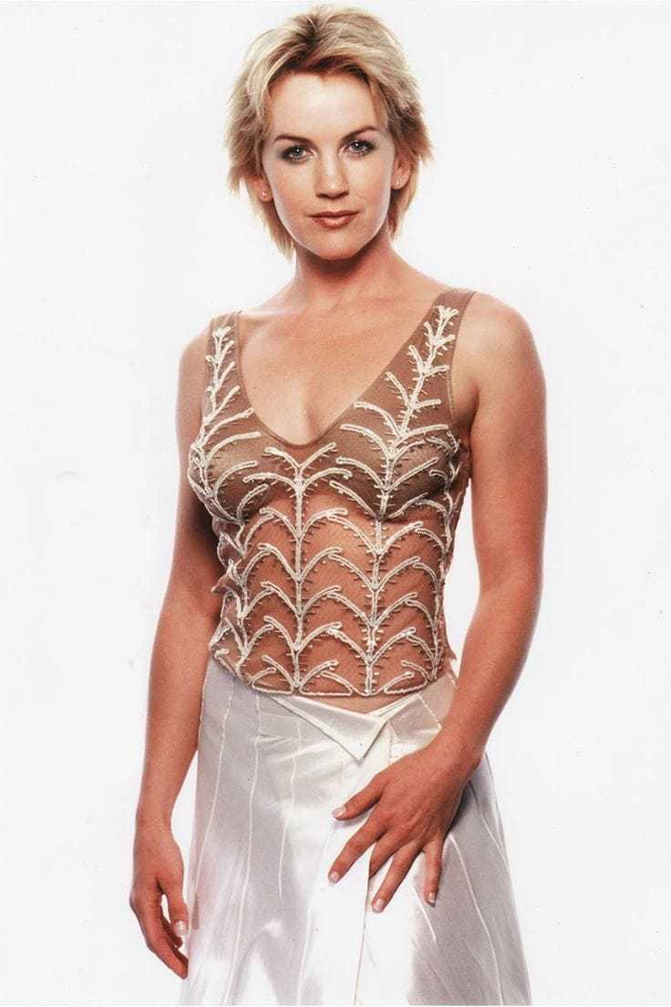 renee o'connor sexy dress