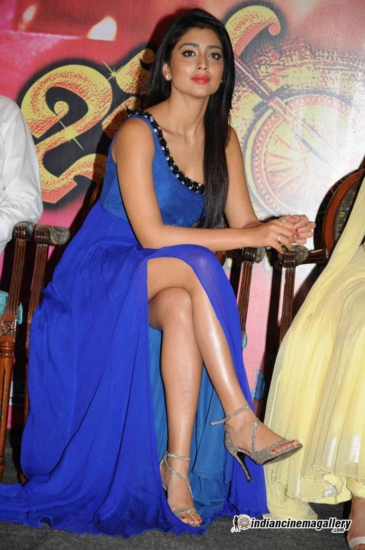 shriya saran sexy feet