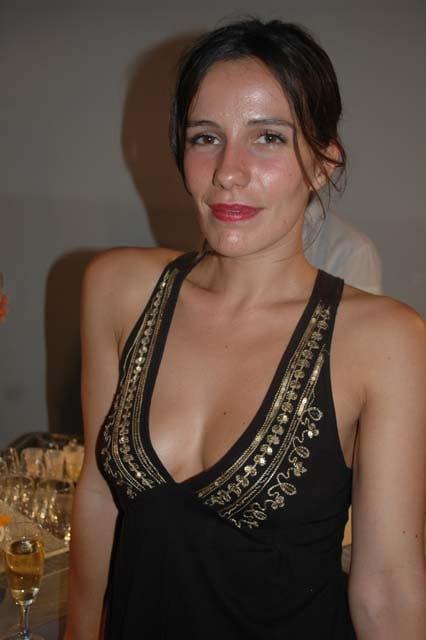 zoé félix cleavage pics