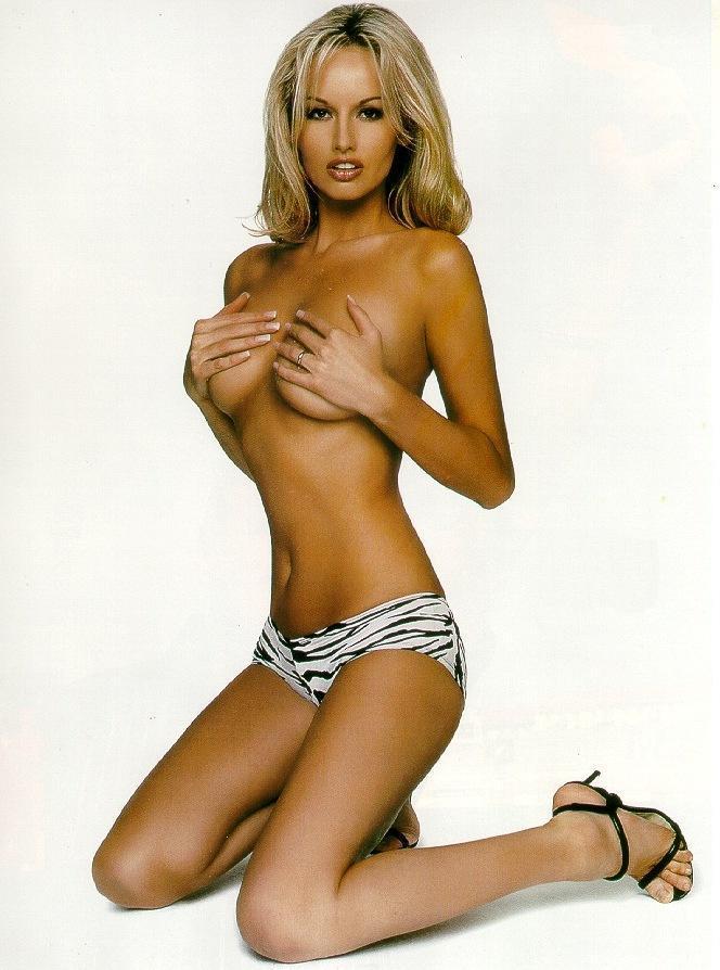 Adriana Sklenaríková nipples pics