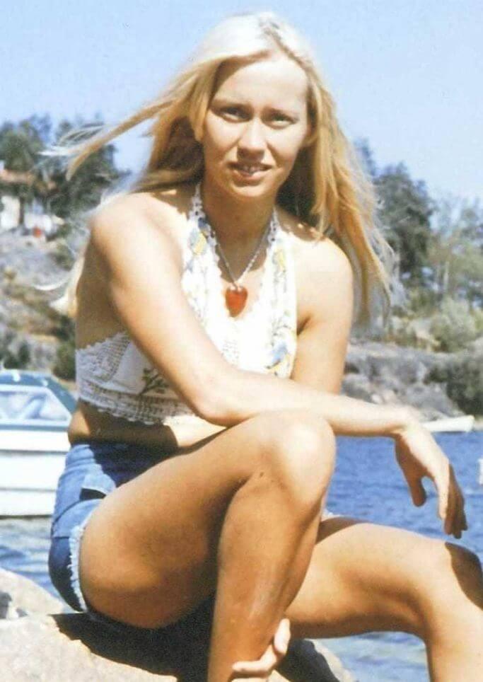Agnetha Fältskog sexy look pics