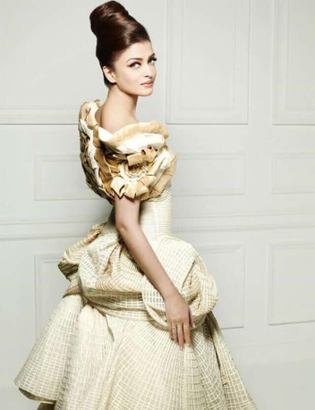 Aishwarya Rai Bachchan hot look pics