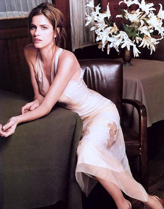Amanda Peet hot pictures