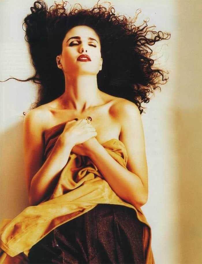 Andie MacDowell near nude pics (2)