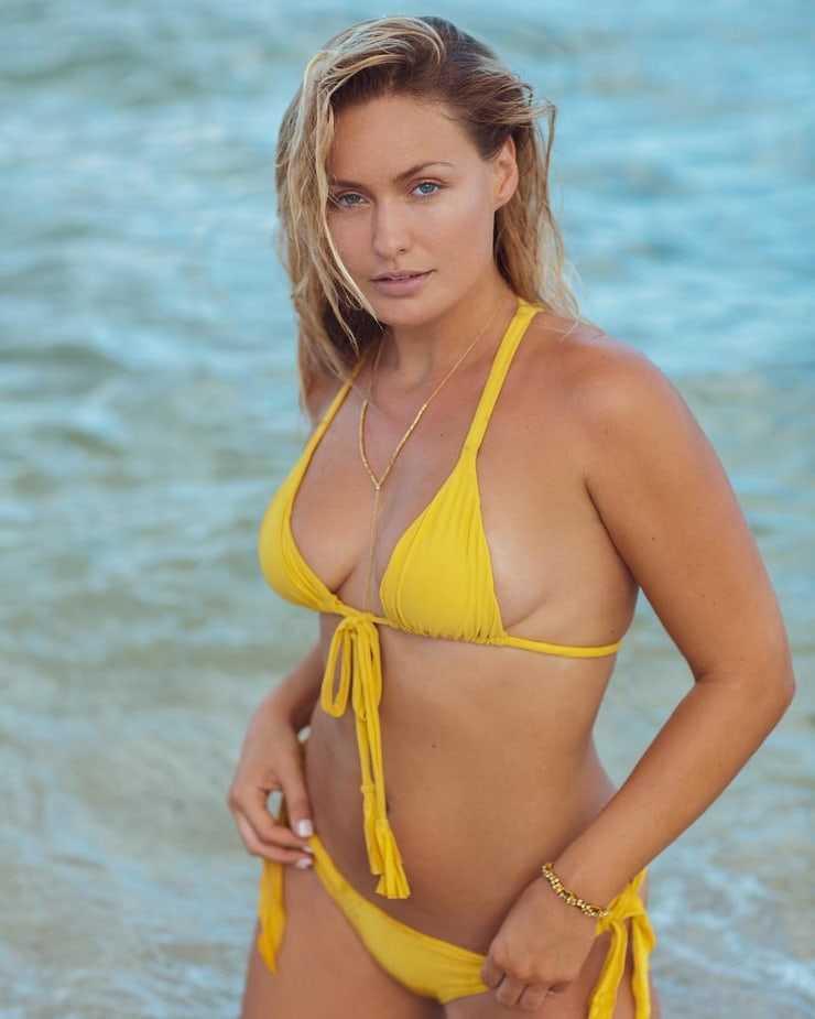 Anne-Julia Hagen sexy bikini pictures