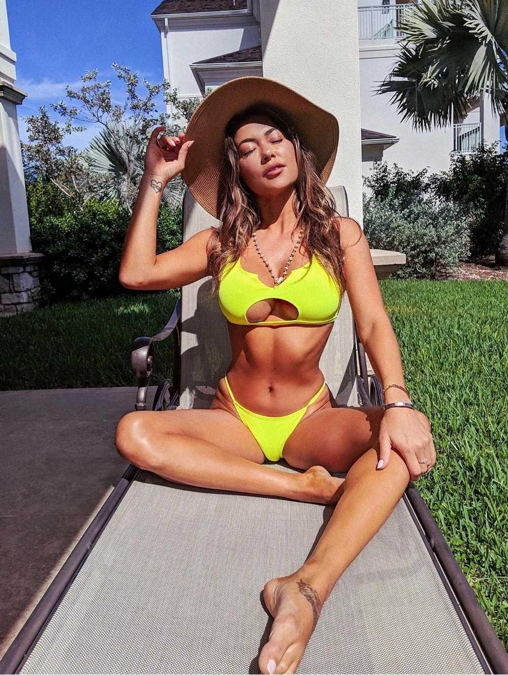 Arianny Celeste bikini pics