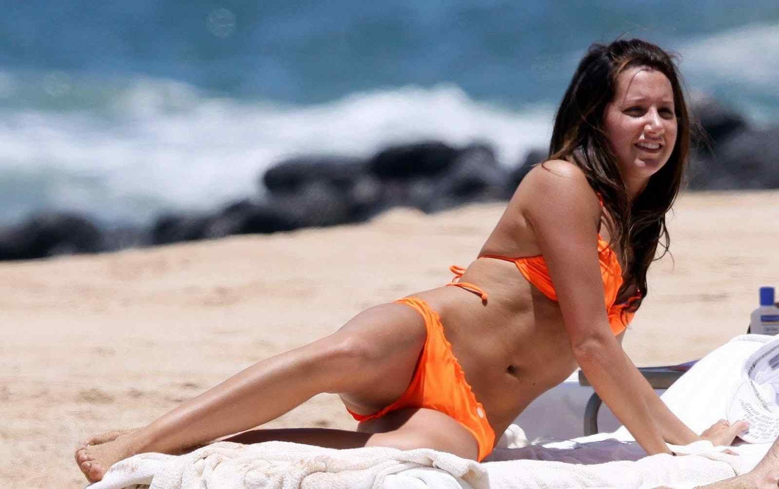Ashley Tisdale bikini pics