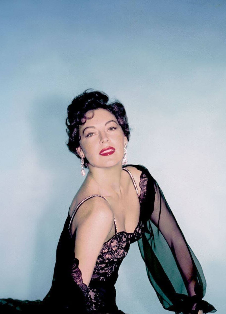 Ava Gardner big busty pics