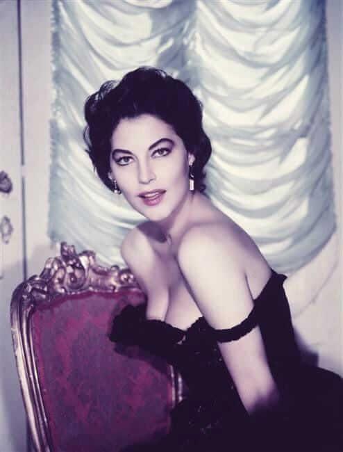 Ava Gardner busty pics
