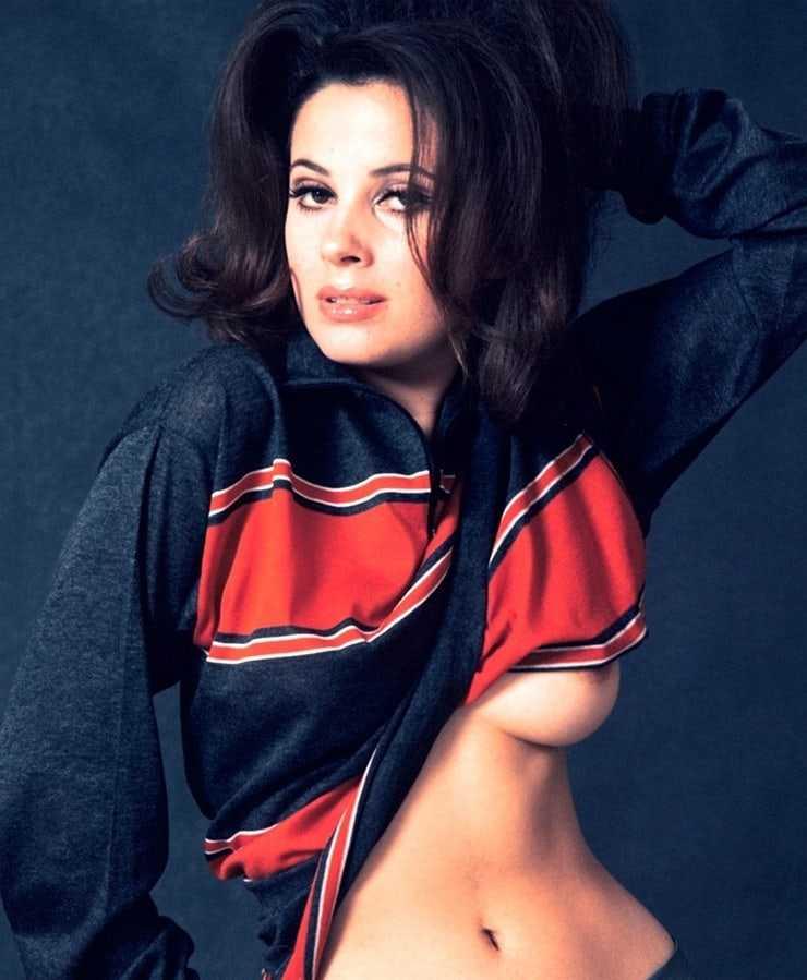 Barbara Parkins nipples pics