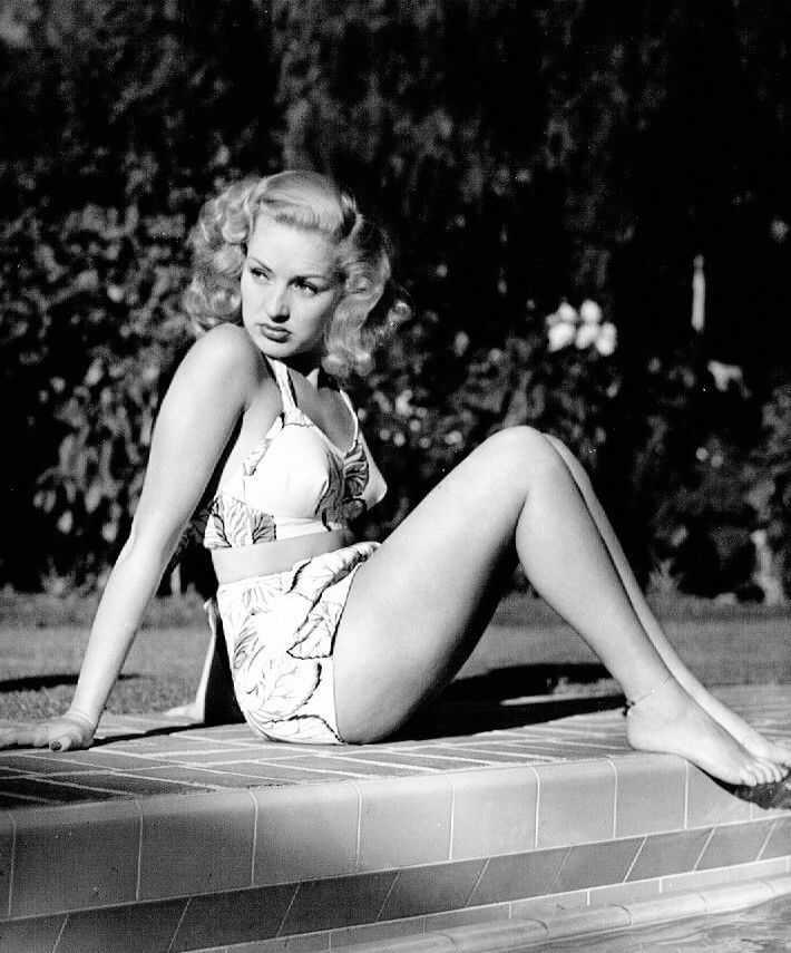 Betty Grable bikini pics