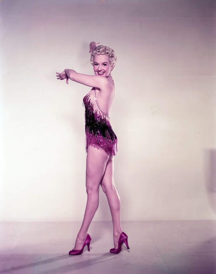 Betty Grable hot lingerie pics