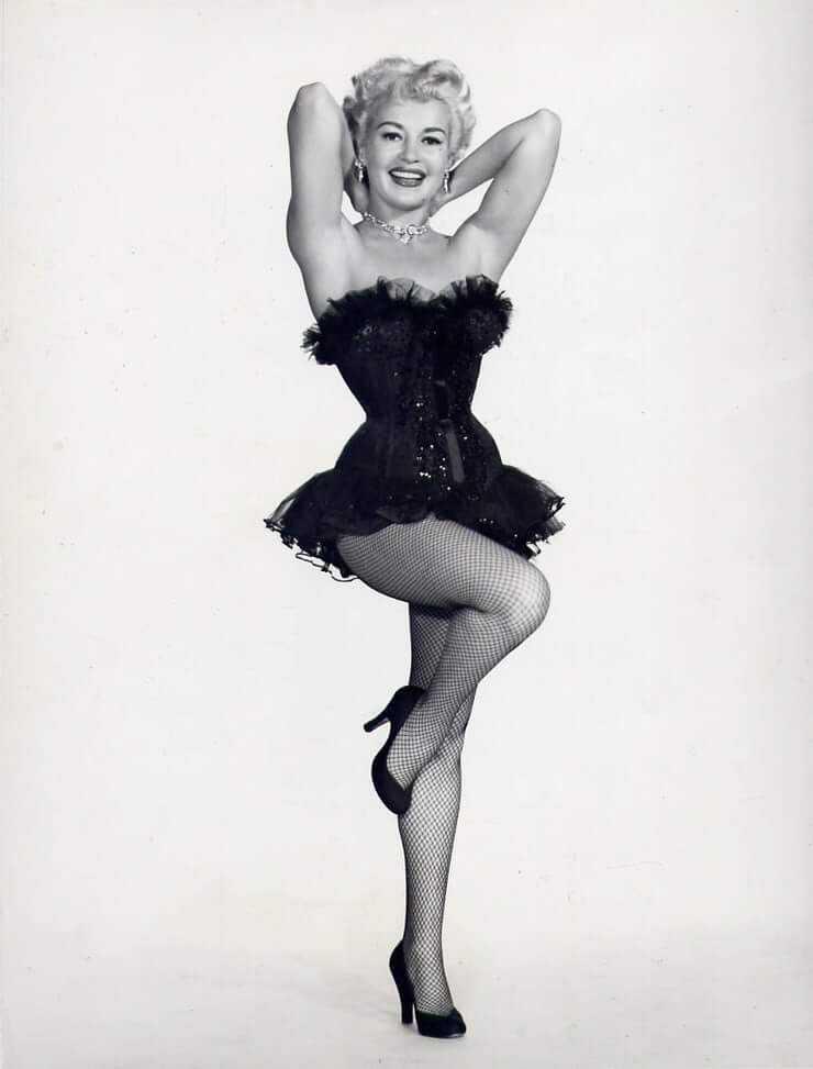 Betty Grable sexy thigh pics