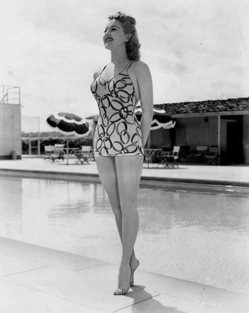 Betty Grable sexy tits pics