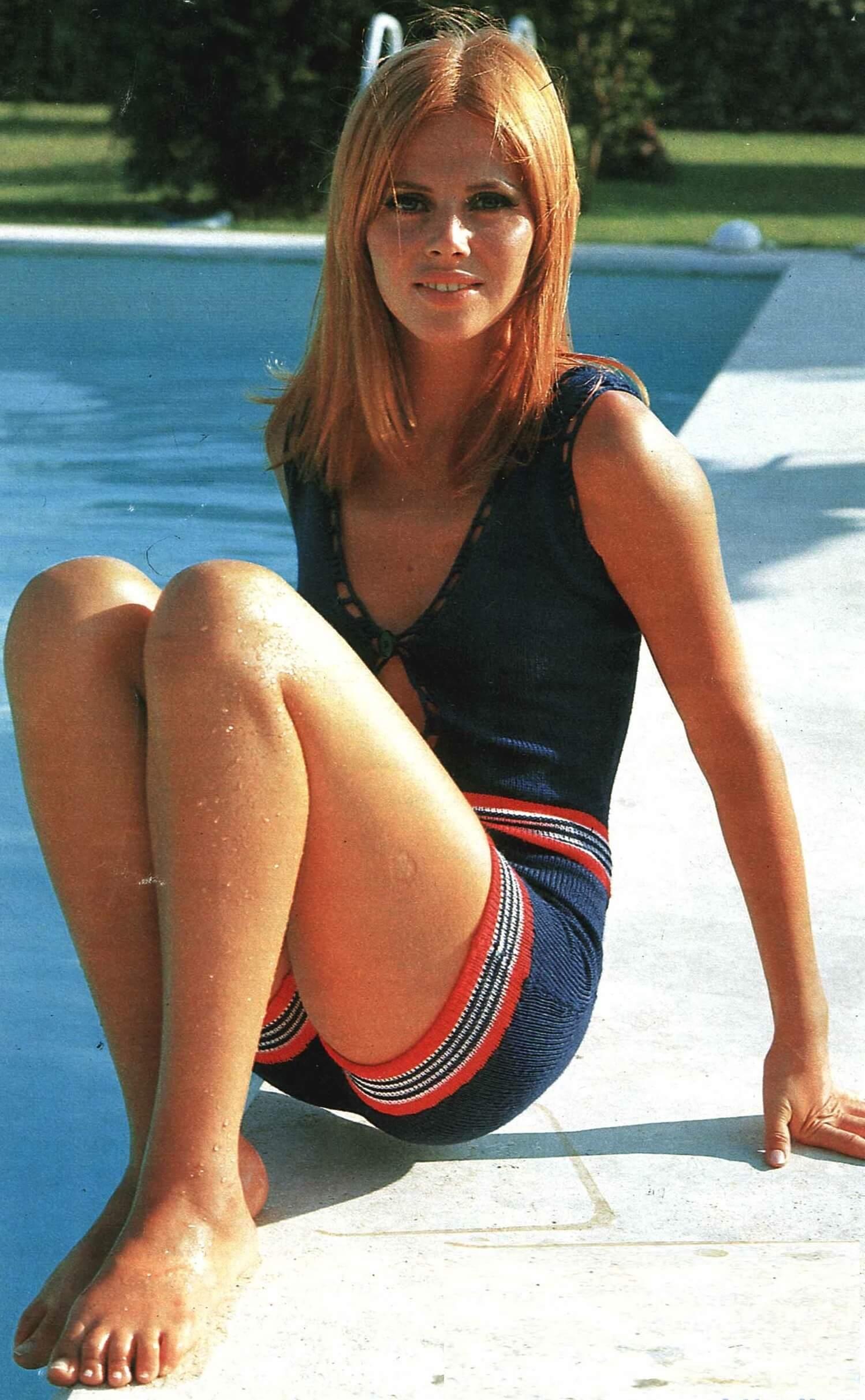Britt Ekland sexy pictures