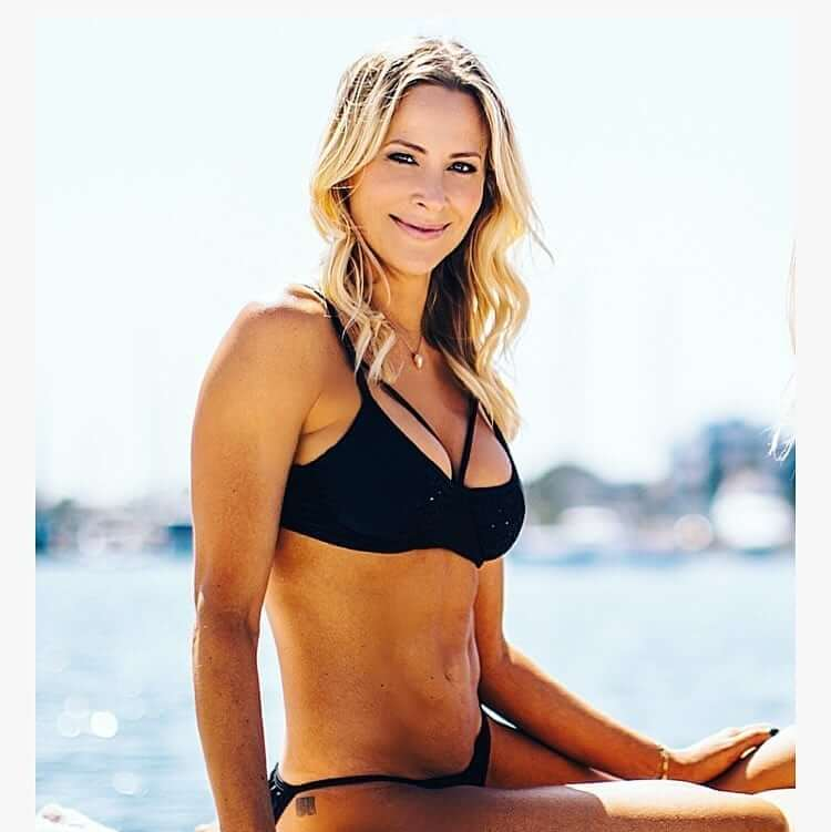 Brittany Daniel busty pictures