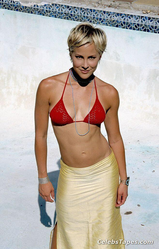 Brittany Daniel sexy tits pictures