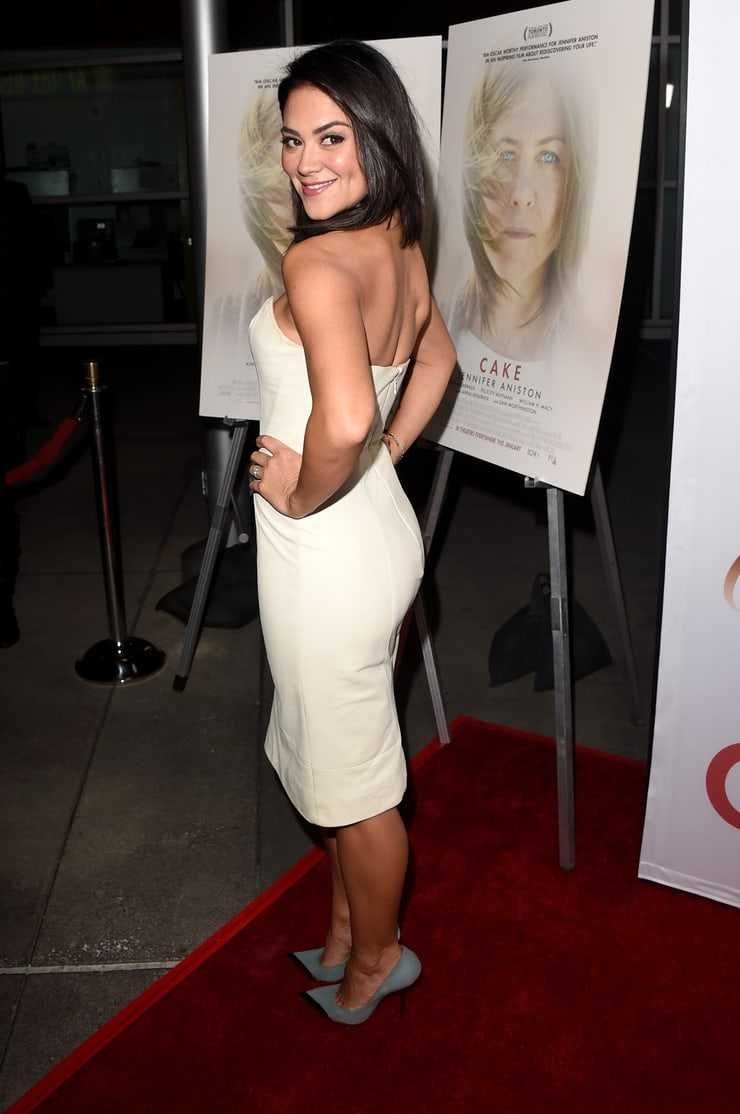 Camille Guaty big booty pics
