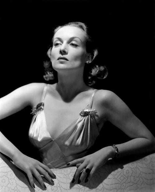 Carole Lombard big busty pics (2)