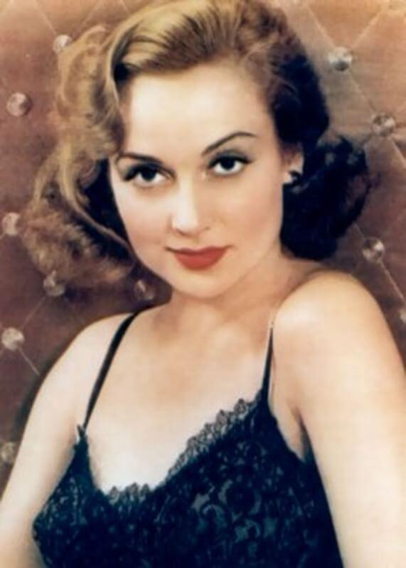 Carole Lombard big busty pics