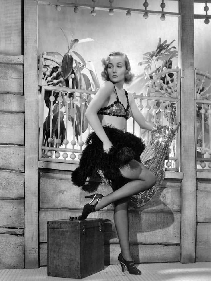 Carole Lombard hot look pics