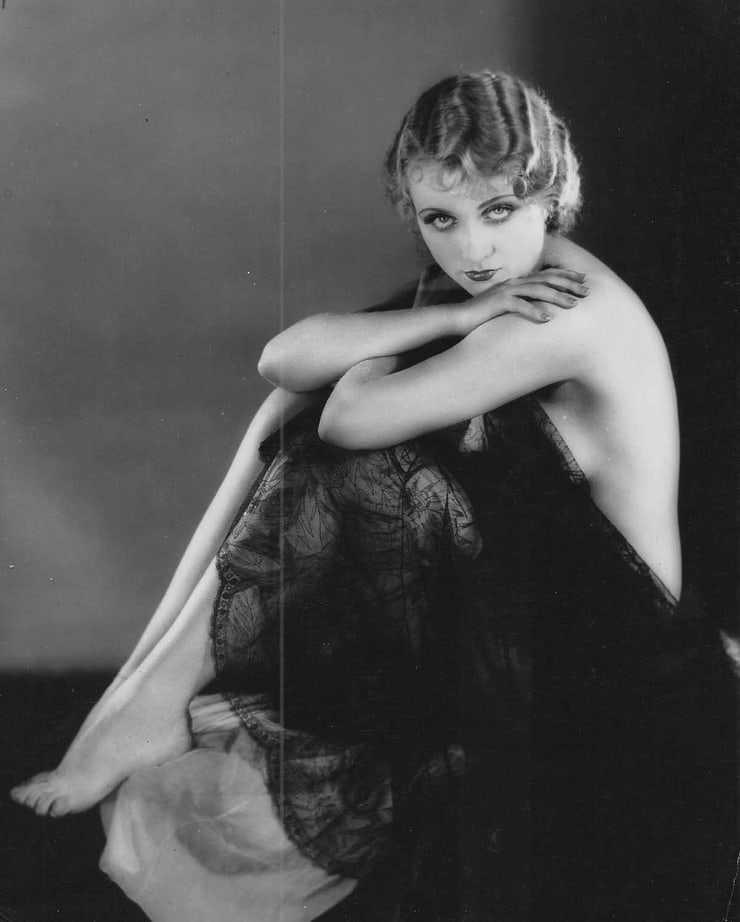 Carole Lombard near nude pics