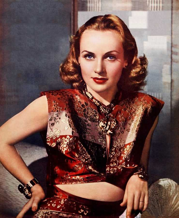 Carole Lombard sexy pics