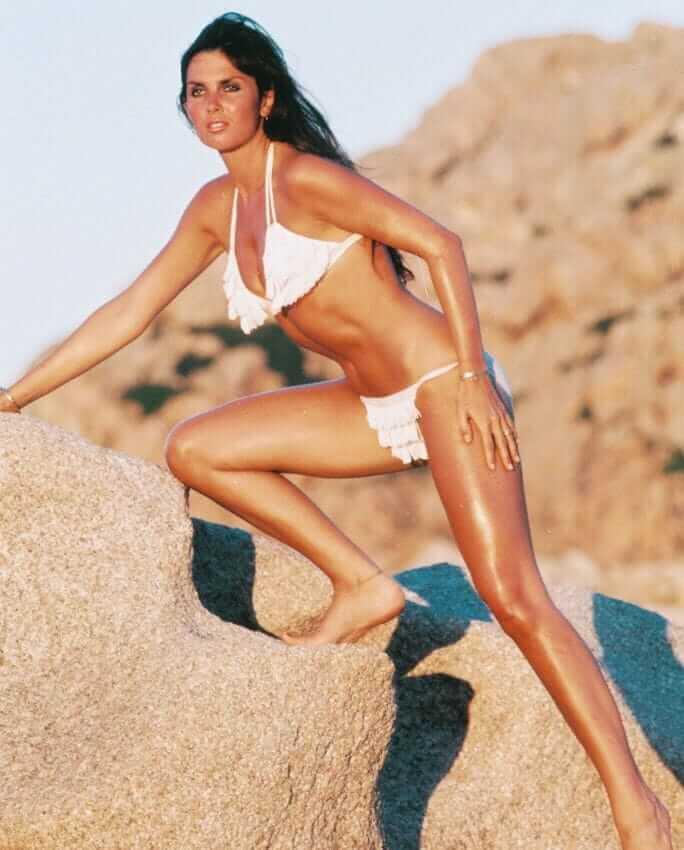 Caroline Munro hot bikini pics