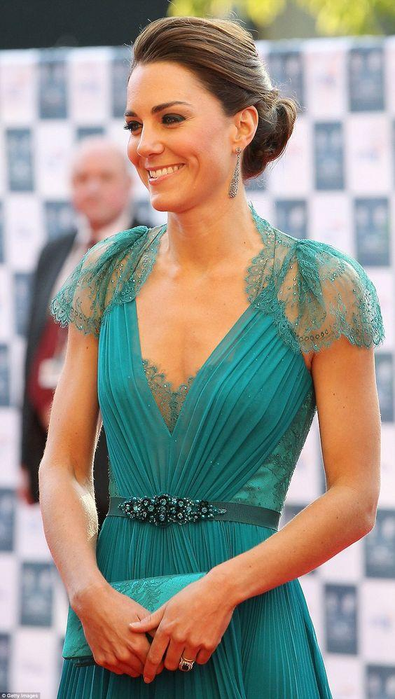 Catherine, Duchess of Cambridge cleavage pics